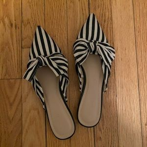 Striped pointed flats